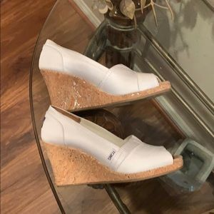 Toms Shoes - Toms white peep toe wedge